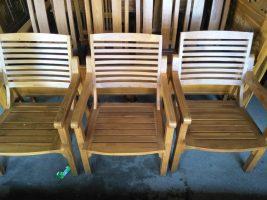 kursi bahan kayu