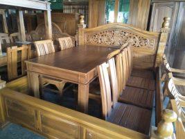 Dipan bahan kayu
