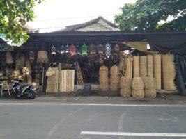 Toko aneka kerajinan bambu