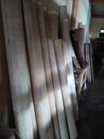 Tikar berbahan rotan dan bambu