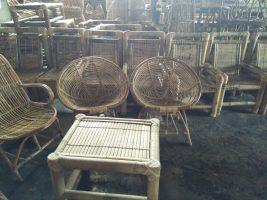 Kursi bambu dan kursi rotan