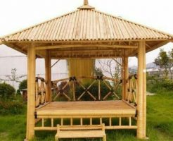 saung bambu istimewa