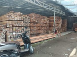 Pesan kayu Kalimantan